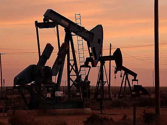 Цена нефти Brent пробила рубеж в 30 долларов за баррель.