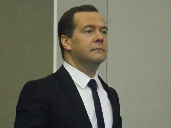 Медведев призвал готовиться к худшему сценарию