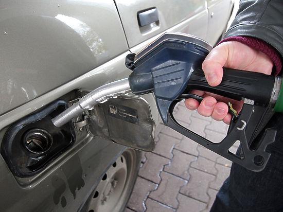 Бензиновая заправка станет неподъемной