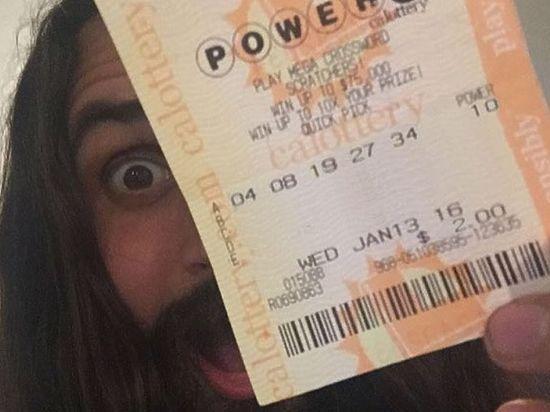 Победитель суперлотереи пообещал деньги всем, кто ретвитнет его запись