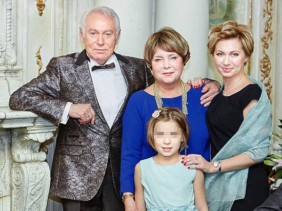 В лифте ЖК «Алые паруса» погибла дочь известного телеведущего Кочергина