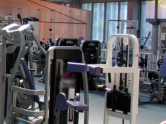 Фитнес-клуб, где женщин ударило током, не признал вину