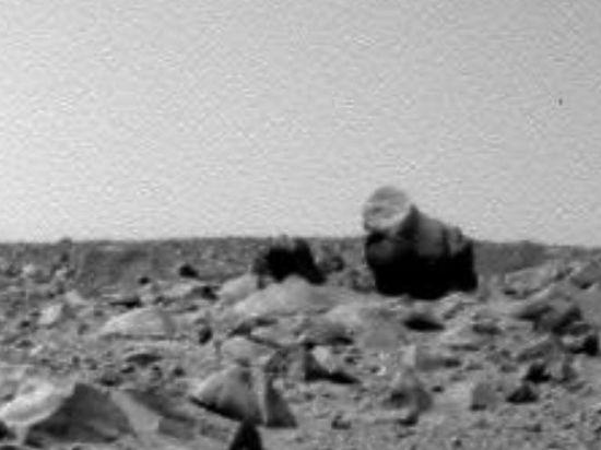Уфологи обнаружили на Марсе гигантских гориллу и верблюда