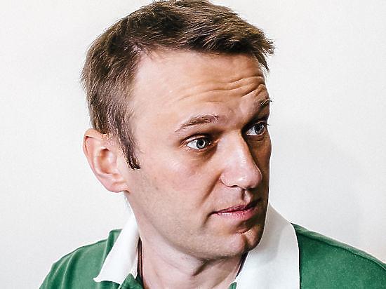 Комитет Госдумы одобрил законопроекты против Путина и Навального
