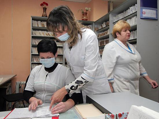 Молодых врачей могут обязать работать на государство