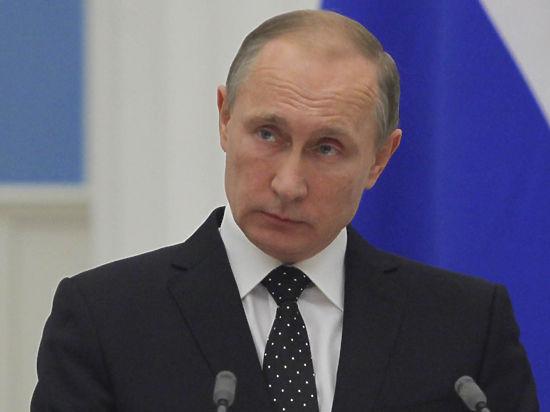 Путин пригласил евреев эмигрировать из антисемитской Европы в Россию