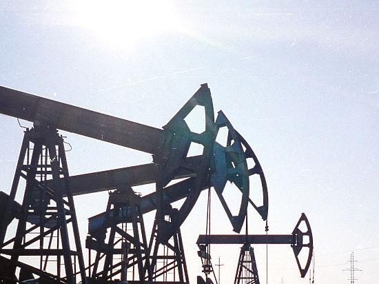 Власти Азербайджана пошли на ограничение вывоза валюты