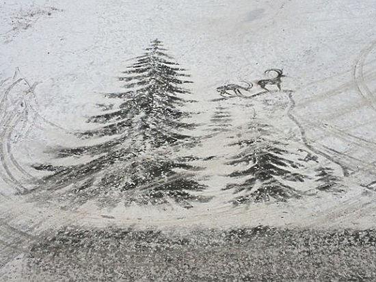 Ижевский дворник, рисующий метлой картины на снегу, стал звездой Инстаграма