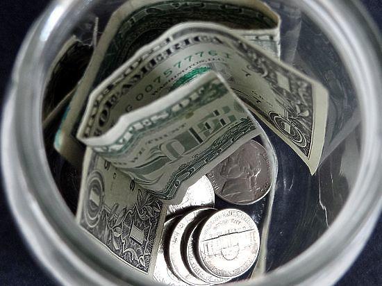 Назван критический курс доллара, при котором ЦБ бросится спасать рубль