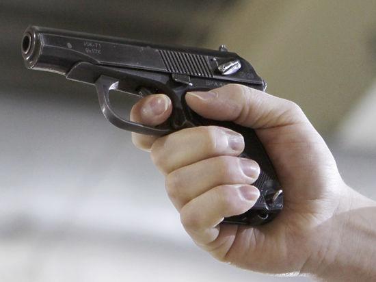 Мать погибшего от выстрела ребенка работала в оружейной компании