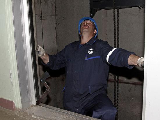 В подмосковной Балашихе лифты в доме работали только на подъем