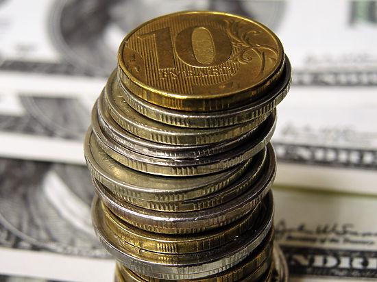 Дорожающая нефть вдохновила рубль: доллар упал ниже отметки 80