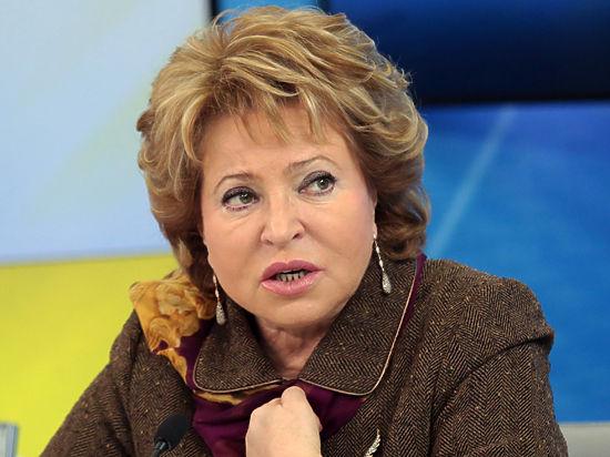 Матвиенко отказалась обсуждать карьеру Чурова, пока он работает