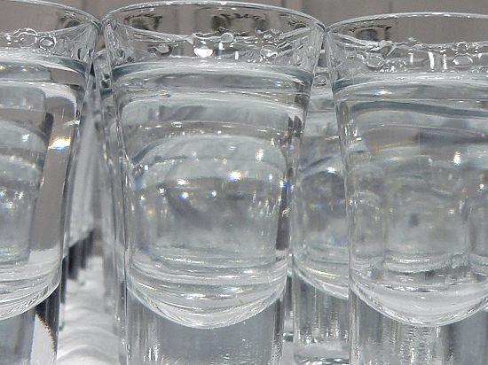 Производители и ФАС договорились, на сколько повысят цены на водку