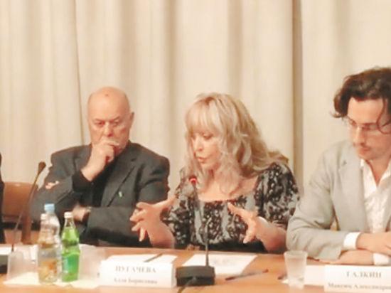 Видео выступления Пугачевой в Госдуме о крепостных артистах поразило публику