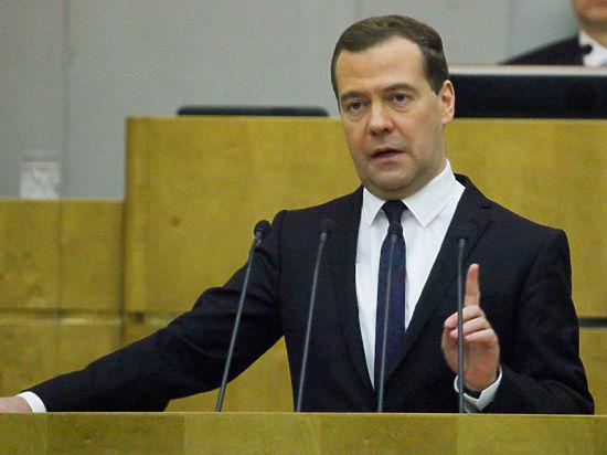 Медведев встретился с автором идеи раздавать всем гражданам по 500 евро
