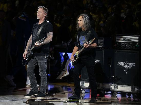 Личные вещи Metallica и Элиса Купера стали экспонатами