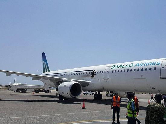 Из взорванного в Сомали A321 выпало обгоревшее тело, сообщили очевидцы