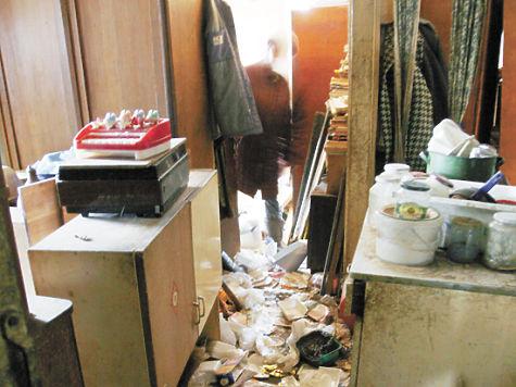 фото: Кирилл Искольдский Внутрь дома пройти сложно...