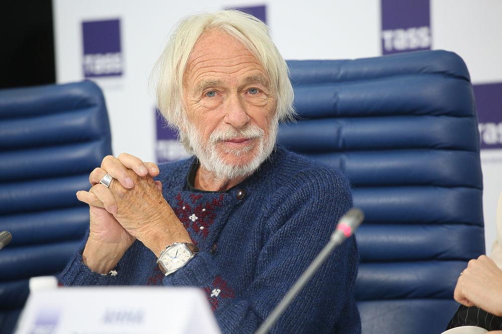 Известный французский актер и режиссер Пьер Ришар дал пресс-конференцию в Москве.