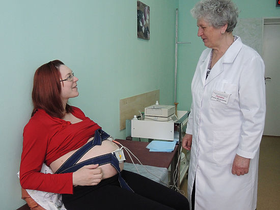 Ученые назвали продолжительность сна, позволяющую беременным меньше толстеть