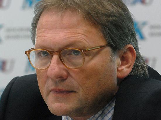 Помощник Путина бросает вызов «Медведям» , ПАРНАСу и самому президенту