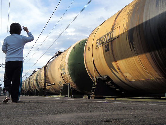 В Госдуме призвали отказаться от продажи нефти