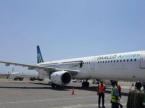 На борту А321 взорвалась бомба: инцидент в Могадишо был терактом