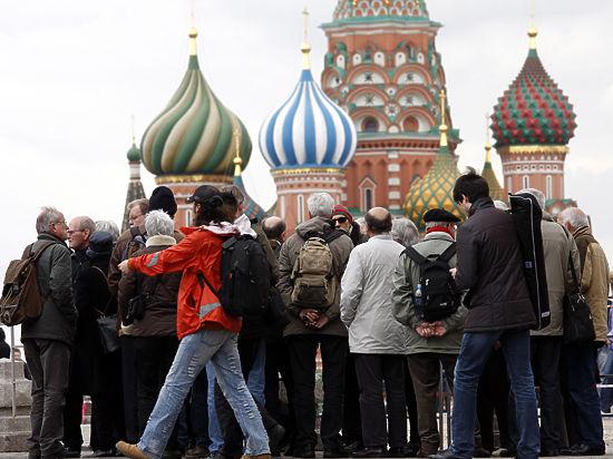 Экскурсоводы просят запретить работать в России коллегам из-за рубежа