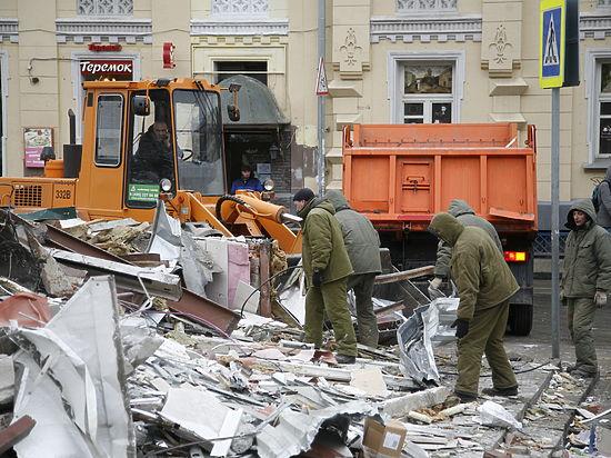 Последняя ночь ларьков: Москва снесла сотню павильонов у метро