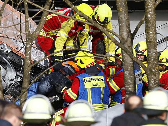 Столкновение поездов в Германии: по меньшей мере восемь погибших
