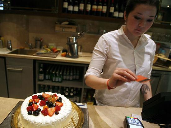 Хулиганы потратили на торт, брошенный в Касьянова, 2040 рублей