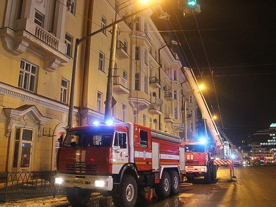 Из горящего здания в центре Казани спасли 200 человек