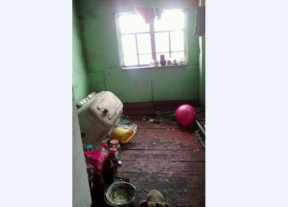 Сотрудники полиции Алтайского края были шокированы, когда в ходе плановой проверки зашли в один из частных домов