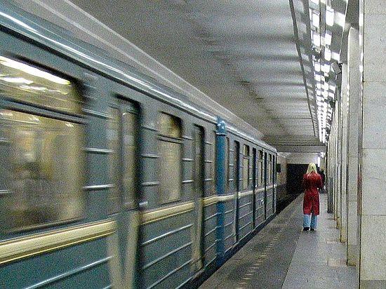 «Легли под поезд»: спаситель москвички в метро рассказал о подвиге