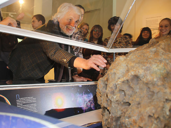 Три года после Чебаркуля: фанатики поклоняются метеориту, женщины рожают тройни