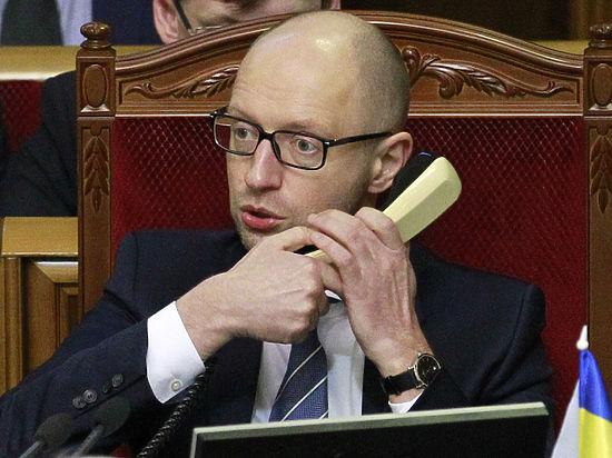 Осенью Яценюка выгонят из правительства, а его партию — из парламента