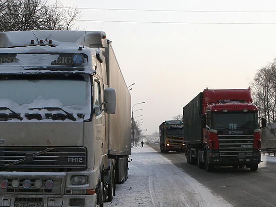 В Минтрансе объяснили историю с блокировкой российских фур на Украине