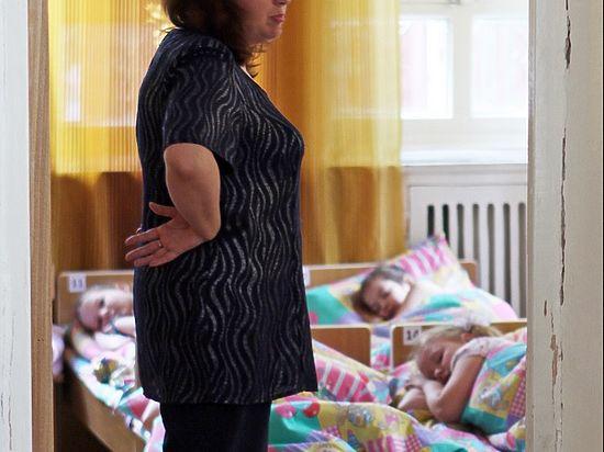 Москвичка пожаловалась в полицию на воспитательницу детсада за избиение дочери