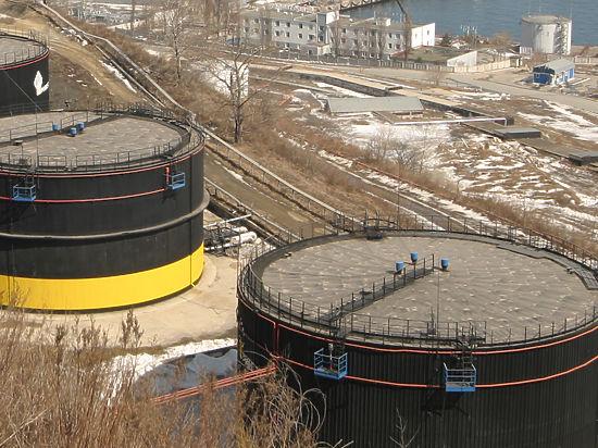 Договор ОПЕК и РФ обрушил рубль и цены на нефть