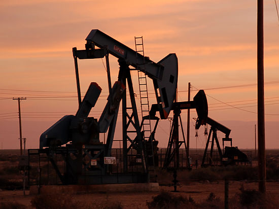 Иран сорвал попытку Новака повысить цены на нефть