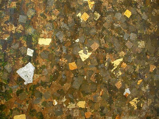 Физики сумели заменить золото и серебро в фотонных устройствах медью