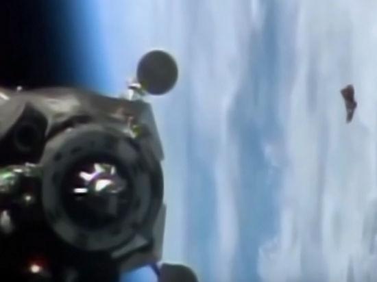 В интернет попало видео НЛО возле МКС