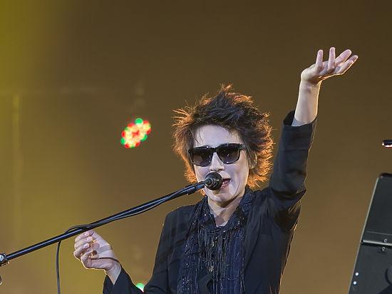 Земфира объявила о завершении гастрольной деятельности, обругав концертный зал