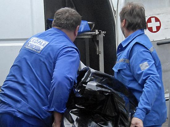 Медики упаковали выжившую в ДТП женщину в мешок для трупов