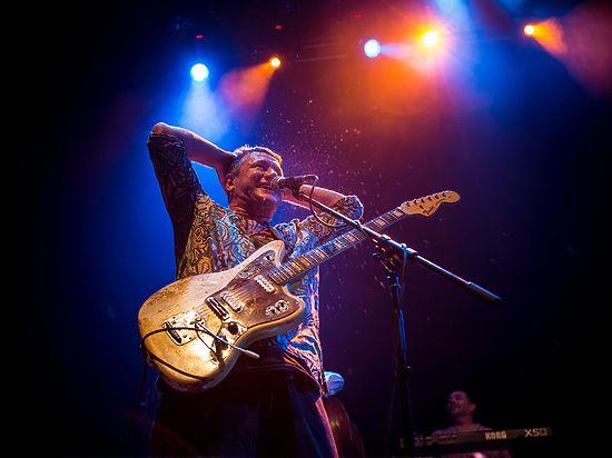 Лидер «АукцЫона» считает, что молодым рок-музыкантам мешает интернет