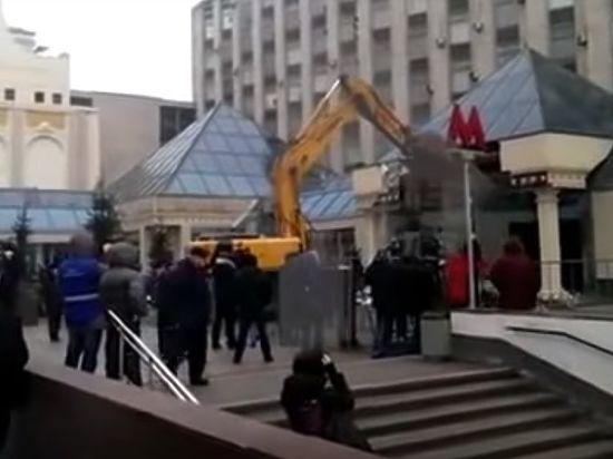 Опубликовано видео сноса главного московского самостроя - «Пирамиды» на Пушке