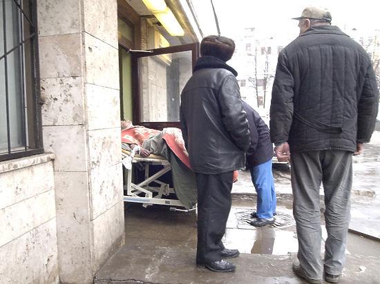 Почему в России принято издеваться над покойниками уже после смерти