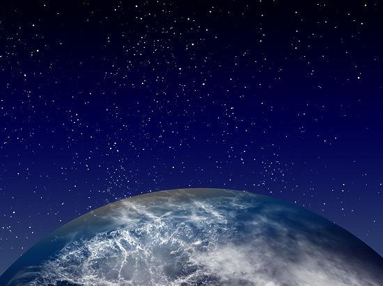 В 30 тысячах километрах над Землей взорвали астероид