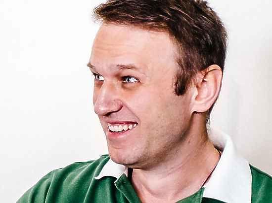 Пресс-секретарь Навального рассказала, кто забросал его тортами